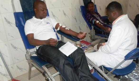 Prise de sang pour un dépistage gratuit