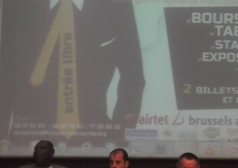 Pierre-Michel Pons (au centre) à la 3e édition de la journée du Volontariat Français