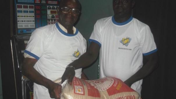 Les meilleurs clients sont récompensés de sac de riz de 25Kg