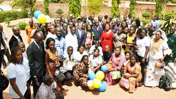 Toute la famille Lydia Ludic de Bobo-Dioulasso est réunie