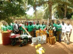 Lydia Ludic Togo soutient l'association des Femmes Motivées de Yokoe - Mars 2013