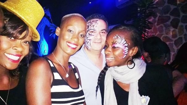 Des participants à la soirée déguisée Lydia Ludic au Blue Coconut