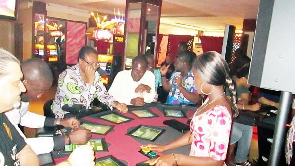 Nombreux sont les joueurs qui ont découvert avec plaisir le Poker Texas Hold'em sur les nouvelles tables de la salle