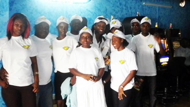 L'équipe de Lydia Ludic présente pour animer la salle Samaké