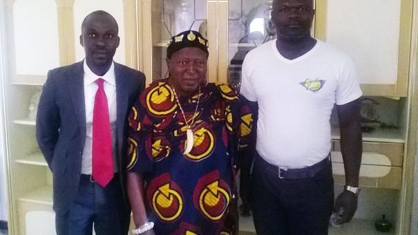 Lydia Ludic Côte d'Ivoire rencontre Nanan Desire Tanoe, Roi des N'zima Kotoko (les Appolos), à Grand-Bassam
