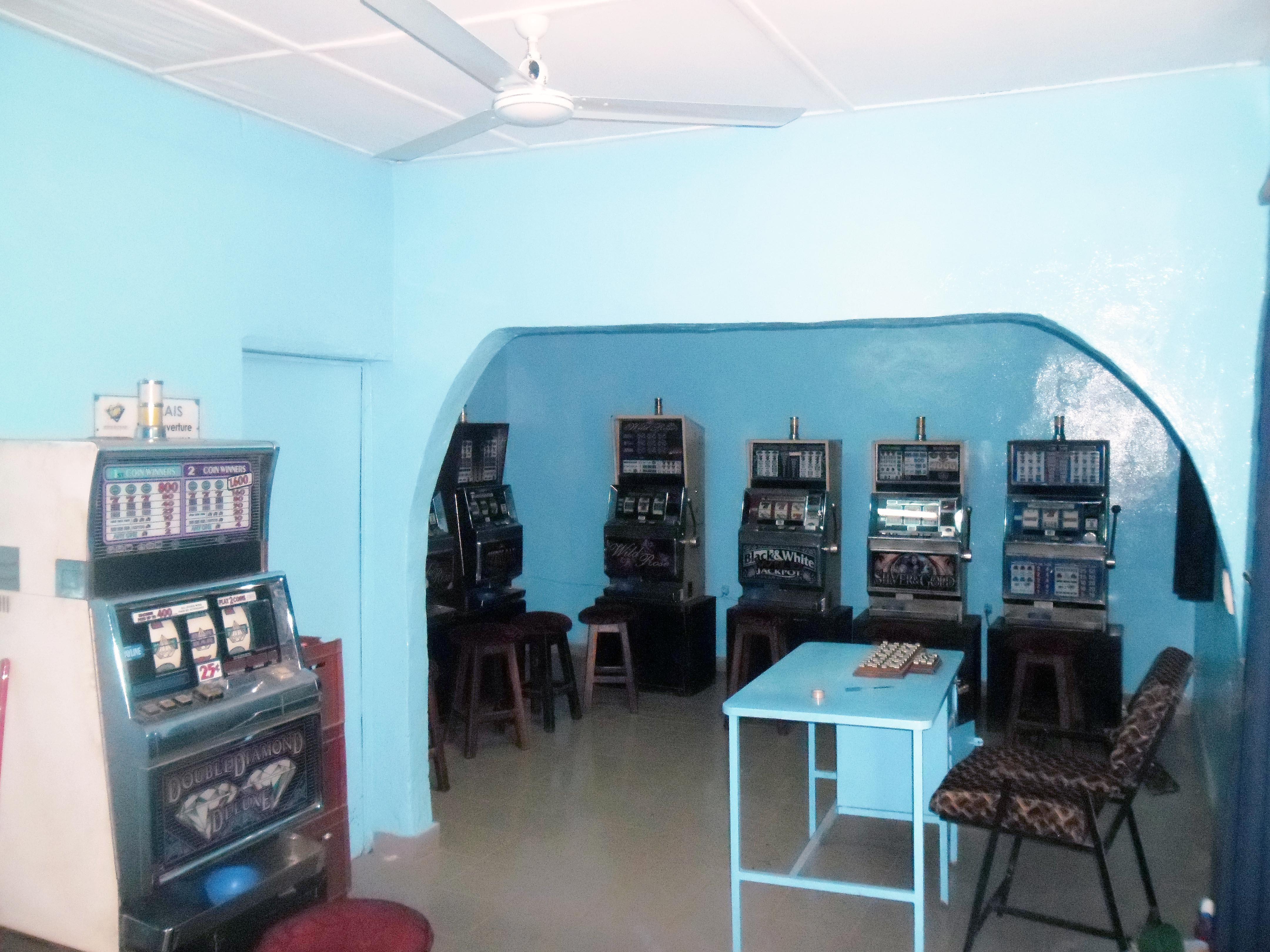 Le mini-salon Relais rénové, à Orodara