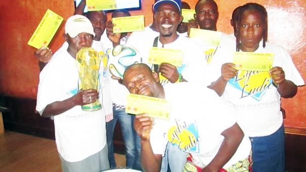 Les heureux gagnants des paris Lydia Ludic Togo pour la Coupe du Monde de Football