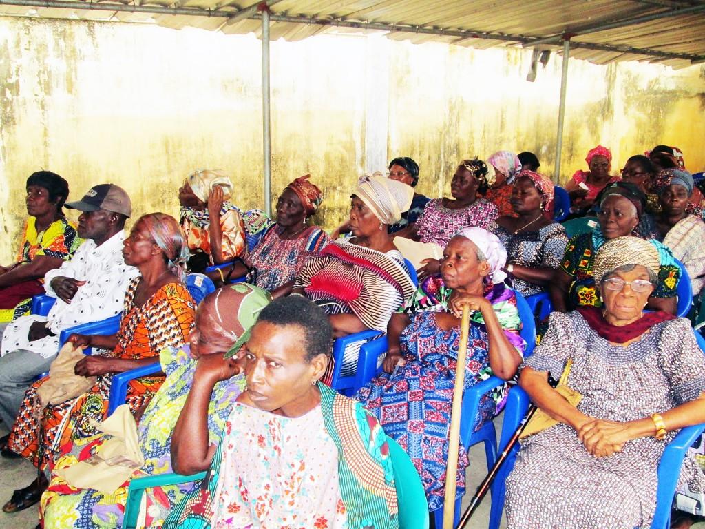 Les personnes âgées de Lomé ont bénéficié du geste solidaire de Lydia Ludic