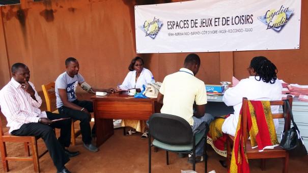 Les agents Lydia Ludic Burkina Faso lors de la visite médicale à Ouagadougou
