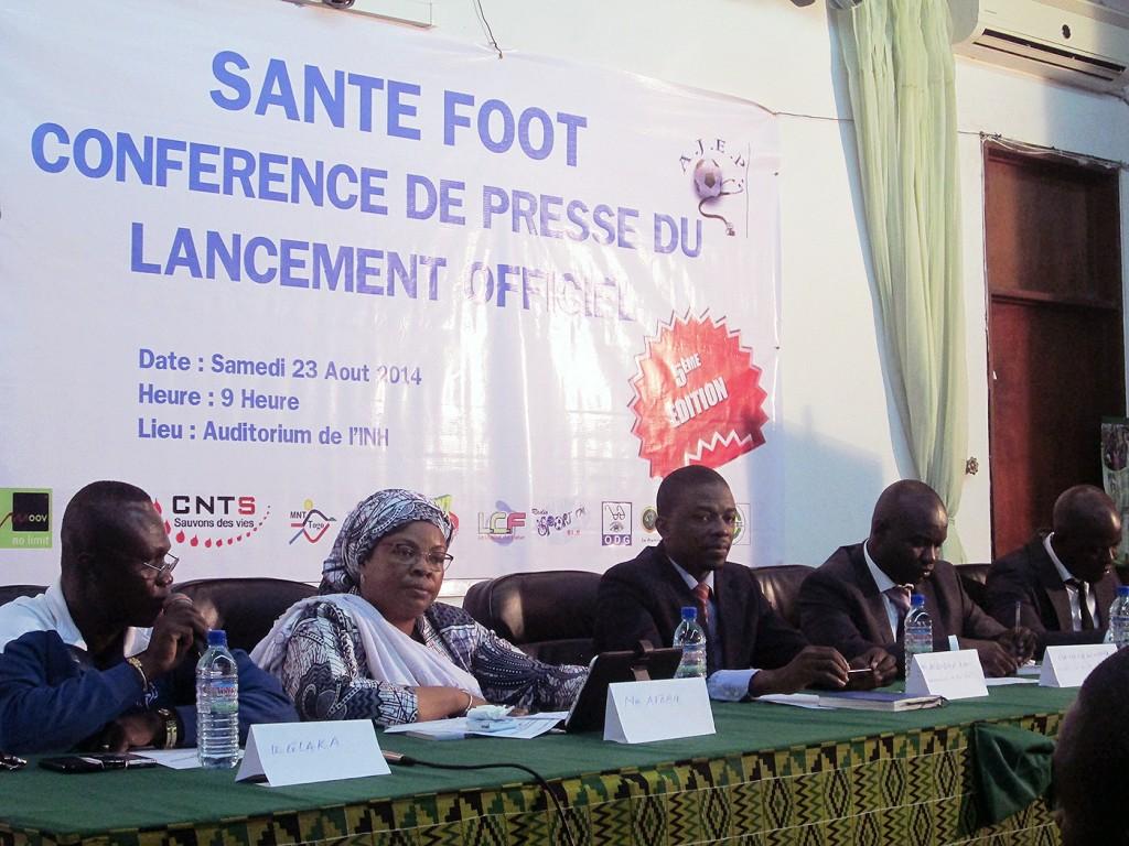 Les intervenants lors de la conférence pour le lancement officiel du tournoi Santé-Foot au Togo