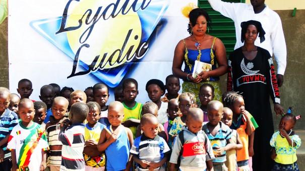 Les enfants du Centre d'Eveil et d'Education Préscolaire de DarSalam lors de la rentrée scolaire