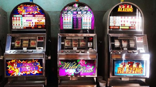 Les machines de jeu Lydia Ludic avec les diodes électroluminescentes