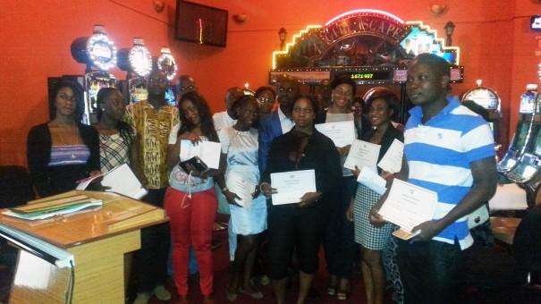 Les agents Lydia Ludic des Espaces Prestiges ont reçu un diplôme certifiant leur formation