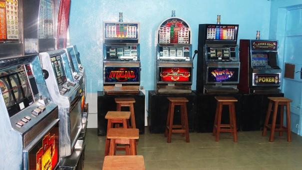 Le mini-salon Lysa à Dédougou a été rénové par Lydia Ludic Burkina Faso