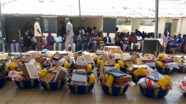 Les agents Lydia Ludic Burkina Faso ont reçu des cadeaux pour le travail qu'ils ont réalisé