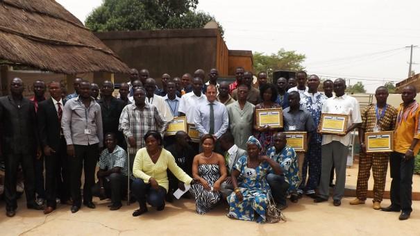 Tenkodogo : les agents de Lydia Ludic Burkina Faso présentent leurs vœux