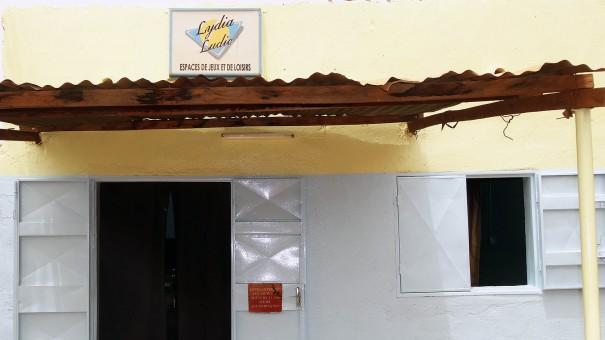 Lydia Ludic Burkina Faso a rénové le mini-salon Bassila à Ouagadougou