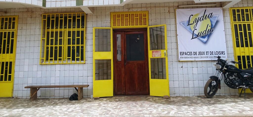 Lydia Ludic Burkina Faso a rénové son Espace de Jeux et de Loisirs du quartier Larlé