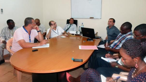 Réunion Lydia Ludic Burkina Faso pour la préparation du système Cashless