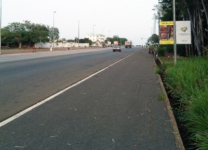 Lydia Ludic Côte d'Ivoire est visible sur des panneaux publicitaires à Yamoussoukro