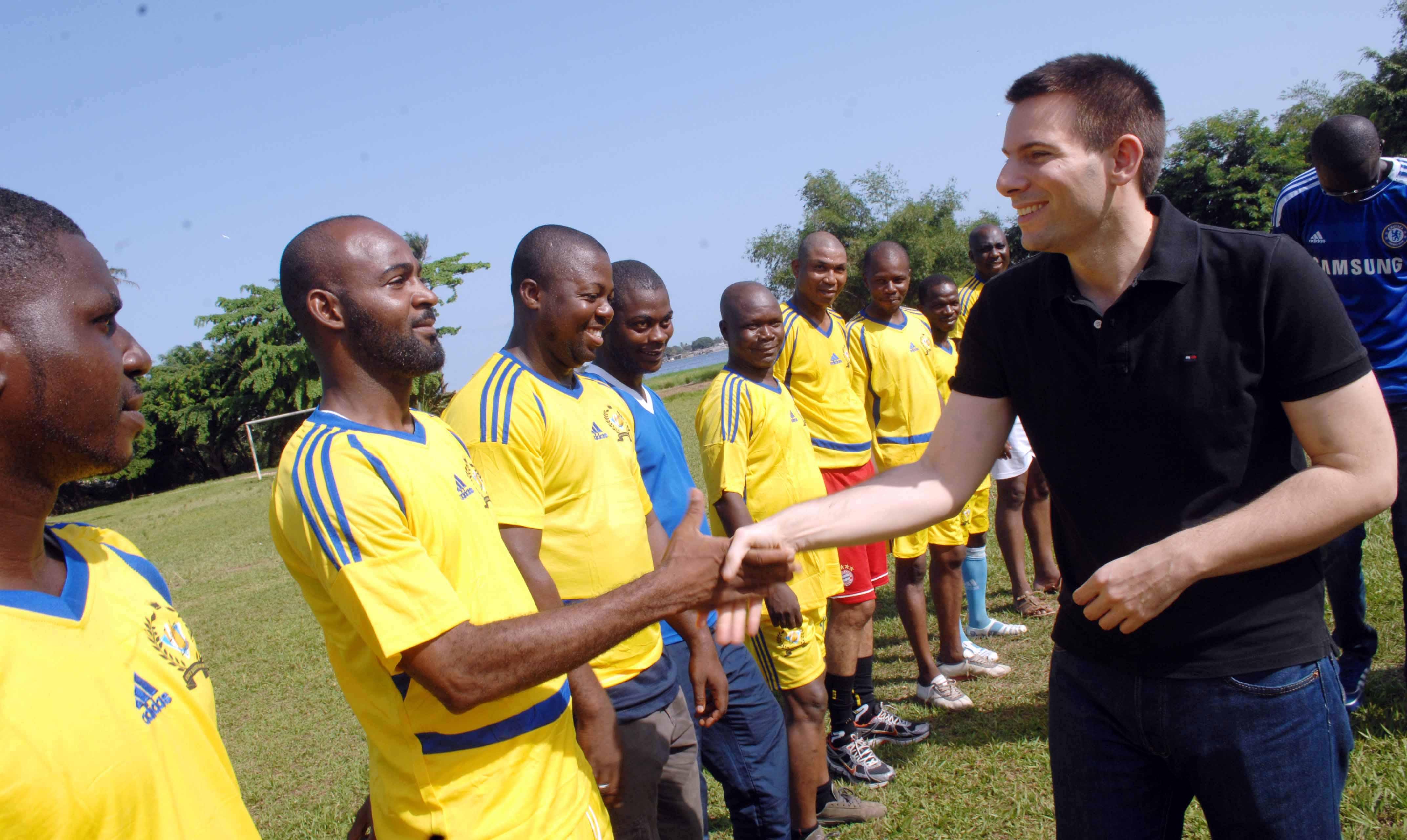 Les équipes de Lydia Ludic Côte d'Ivoire pour la 1ère édition de la « Coupe de Football du Président Francis PEREZ pour la cohésion sociale »
