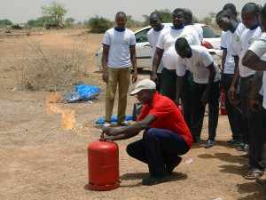 Lydia Ludic Burkina Faso a forme ses agents à la maîtrise du feu