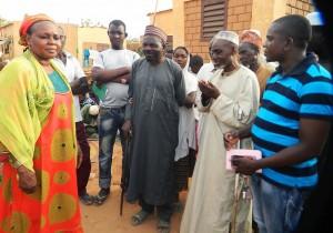 Prière de remerciement à Lydia Ludic Niger pour son action social en faveur de l'Association des Aveugles du Niger