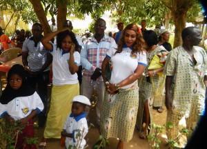 Lydia Ludic Niger a partagé un repas avec ses agents pour la fête du 1er mai