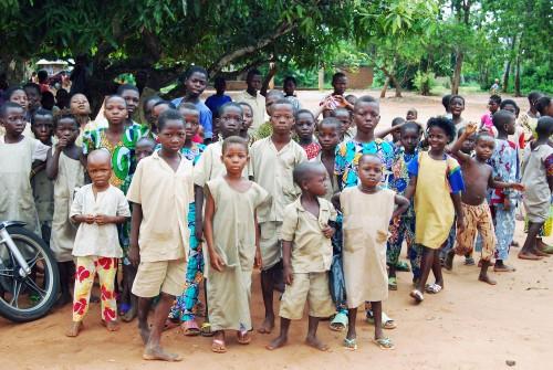 Pour la Journée de l'Enfant Africain, Lydia Ludic Bénin a soutenu les célébrations de l'école primaire de Tchoukou-Kpévi