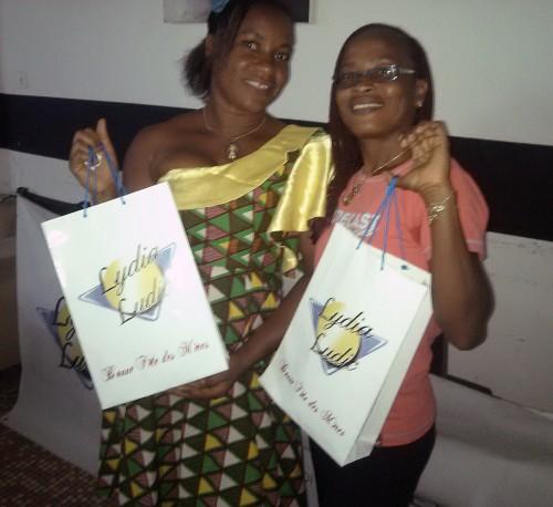 Lydia Ludic Côte d'Ivoire a célébré la Fête des Mères avec ses clients, son personnel féminin et les communautés locales