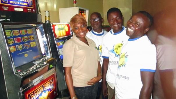 Lydia Ludic Togo a animé l'Espace de Jeux et de Loisirs du bar partenaire le Point d'O, dans le quartier Gbadago à Lomé