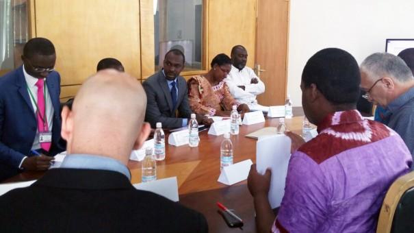 Réunion Lydia Ludic Côte d'Ivoire pour la préparation du système Cash Less