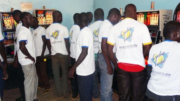 Lydia Ludic Burkina Faso anime son Espace de Jeux et de Loisirs à Tampouy