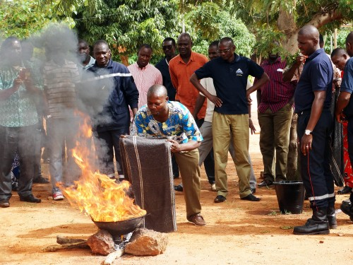 Lydia Ludic Burkina Faso a formé ses agents contre les incendies à Bobo-Dioulasso