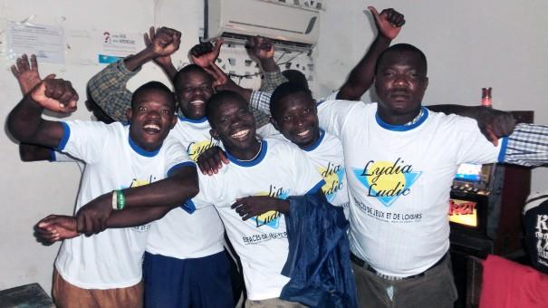 Animation Lydia Ludic Togo de l'Espace de Jeux et de Loisirs situé dans le bar partenaire Choisir, dans le quartier Totsi de Lomé