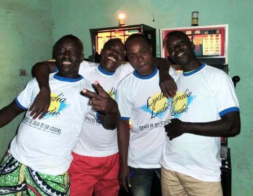 Animation Lydia Ludic Togo de l'Espace de Jeux et de Loisirs situé dans le bar partenaire La Joie, dans le quartier Zone Portuaire de Lomé