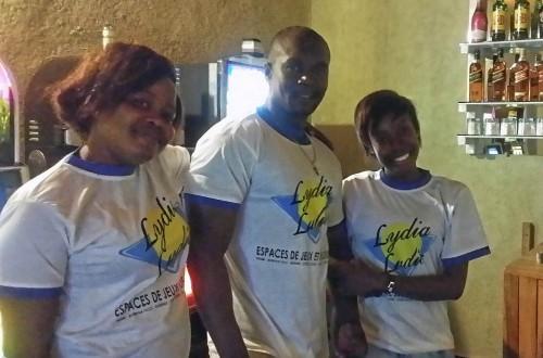 Animation Lydia Ludic Togo de l'Espace de Jeux et de Loisirs situé dans le bar partenaire Refuge, dans le quartier Novissi de Lomé