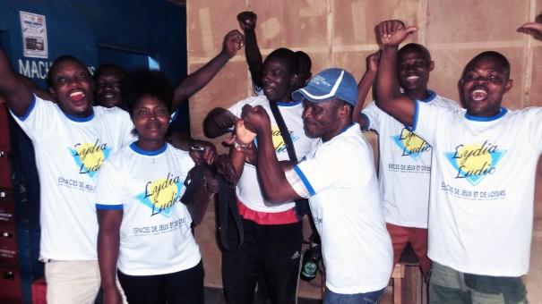 Animation Lydia Ludic Togo de l'Espace de Jeux et de Loisirs situé dans le bar partenaire La Joie Du Port, dans le quartier Zone Portuaire de Lomé