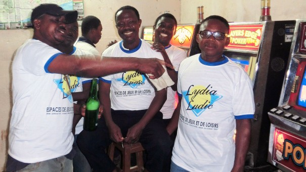 Lydia Ludic Togo a animé son Espace de Jeux et de Loisirs du bar partenaire Tam Tam 1, dans le quartier Adéwui à Lomé