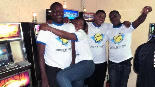 Animation Lydia Ludic Togo de l'Espace de Jeux et de Loisirs situé dans le bar partenaire Oh Yeyeh, dans le quartier Anani Santos (ancien Fréau Jardin) de Lomé