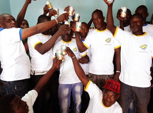 Moment de convivialité lors de l'animation Lydia Ludic Burkina Faso de l'Espace de Jeux et de Loisirs du quartier Kilwin, à Ouagadougou