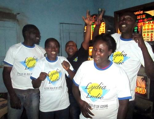 Animation Lydia Ludic Togo de l'Espace de Jeux et de Loisirs situé dans le bar partenaire Madiba, dans le quartier Adidogomé de Lomé
