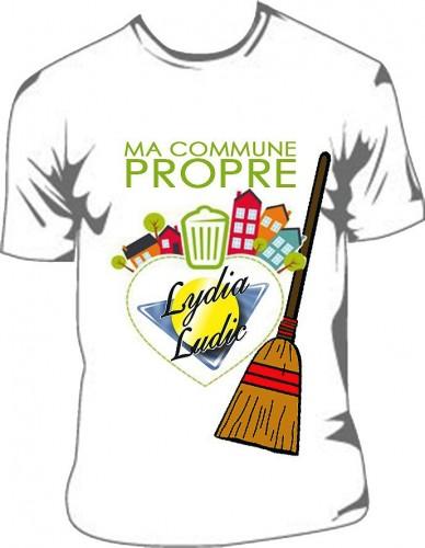 Les t-shirt sponsorisés par Lydia Ludic Côte d'Ivoire pour l'opération nettoyage du quartier Gesco, dans la commune de Yopougon à Abidjan
