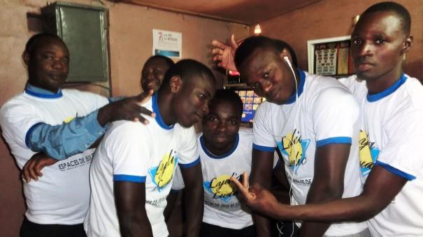 Animation Lydia Ludic Togo de l'Espace de Jeux et de Loisirs situé dans le bar partenaire Le Sourire, dans le quartier Agoè de Lomé