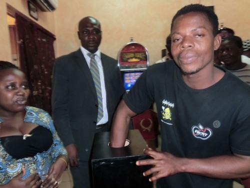 Tirage au sort de la Tombola organisée par Lydia Ludic Togo dans son Espace de Jeux et de Loisirs du quartier Akodesséwa à Lomé
