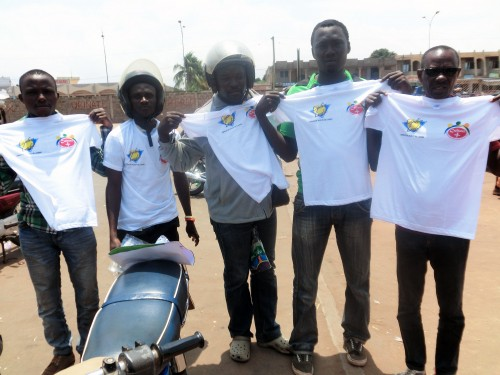 Lydia Ludic Togo a fait des dons à l'association Culture Plus pour la sécurité routière au Togo
