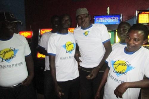 Animation Lydia Ludic Togo de l'Espace de Jeux et de Loisirs situé dans le bar partenaire Nangbéto, dans le quartier Kilkamé de Lomé