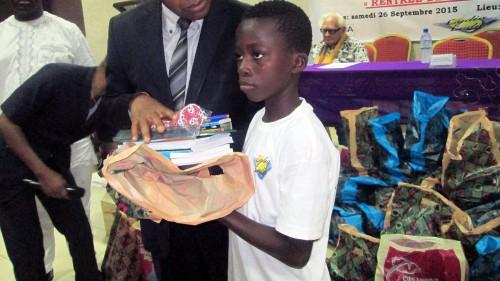 Lydia Ludic Togo a fait un don de kits scolaires aux enfants orphelins de l'association FONDAVO