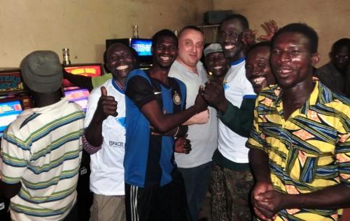 Animation Lydia Ludic Togo de l'Espace de Jeux et de Loisirs situé dans le bar partenaire Routier, dans le quartier Agoè Zongo à Lomé