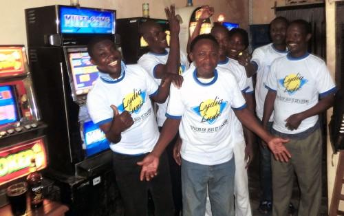 Animation Lydia Ludic Togo de l'Espace de Jeux et de Loisirs situé dans le bar partenaire Tam-Tam, dans le quartier Adéwui de Lomé
